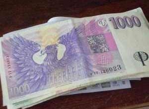 Společný bankovní účet v ČR má 56 procent párů