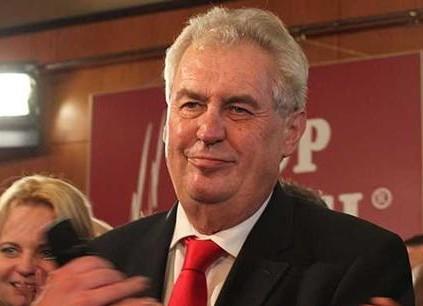 Miloš Zeman byl občany zvolen prezidentem