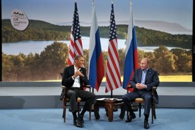 Vladimír Putin a Barack Obama  na summitu G-8 v Severním Irsku.