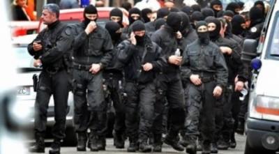 Francouzská policie se bouží. Nehce zatýkat lidi za symboly tradiční rodiny.