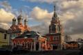 Ozbrojení výtržnici předpadli veřící v chrámu Moskvy